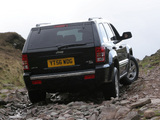 Pictures of Jeep Grand Cherokee 5.7 Limited UK-spec (WK) 2005–10