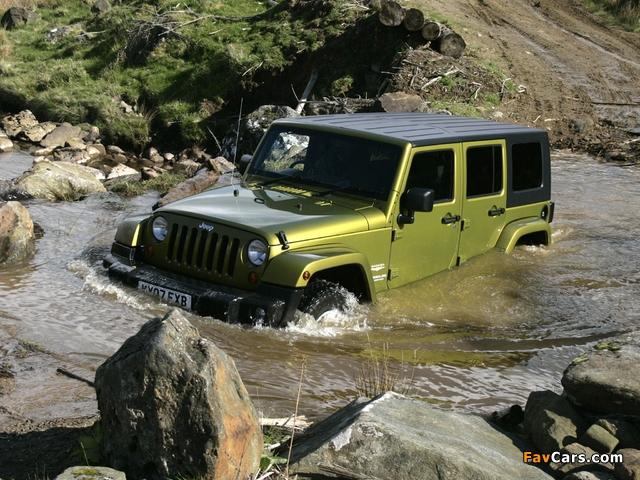 Images of Jeep Wrangler Unlimited Sahara UK-spec (JK) 2007–11 (640 x 480)