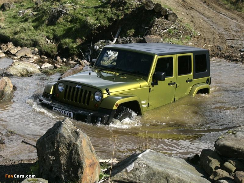 Images of Jeep Wrangler Unlimited Sahara UK-spec (JK) 2007–11 (800 x 600)
