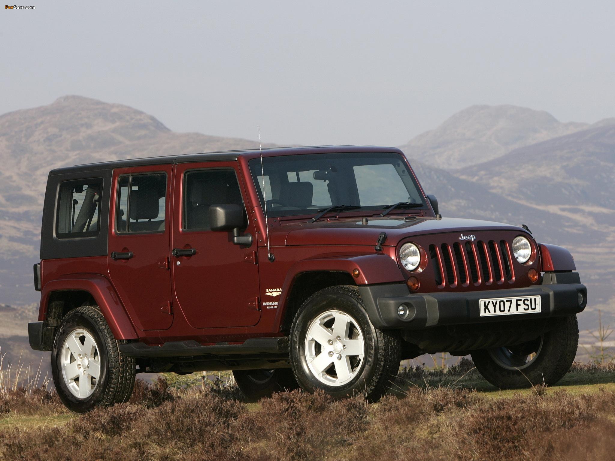 Images of Jeep Wrangler Unlimited Sahara UK-spec (JK) 2007–11 (2048 x 1536)