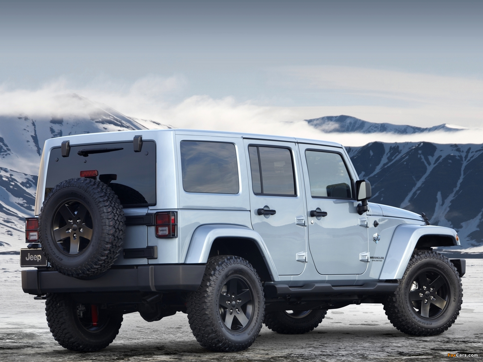 Images of Jeep Wrangler Unlimited Arctic (JK) 2012 (1600 x 1200)