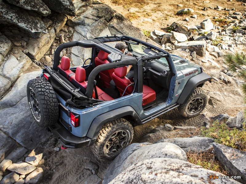 Images of Jeep Wrangler Rubicon 10th Anniversary (JK) 2013 (800 x 600)