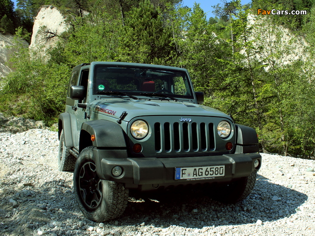 Images of Jeep Wrangler Rubicon 10th Anniversary EU-spec (JK) 2013 (640 x 480)