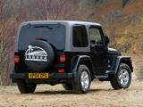 Jeep Wrangler Sahara UK-spec (TJ) 2002–06 images