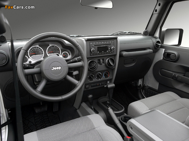 Jeep Wrangler Unlimited Sahara EU-spec (JK) 2007 pictures (640 x 480)