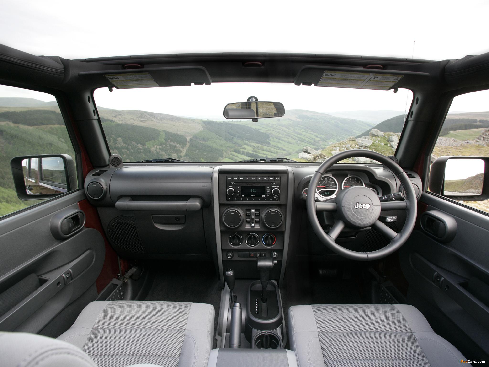 Jeep Wrangler Unlimited Sahara UK-spec (JK) 2007–11 pictures (2048 x 1536)
