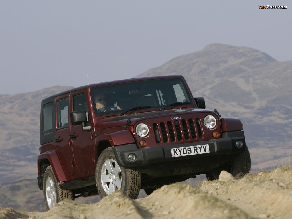 Jeep Wrangler Unlimited Sahara UK-spec (JK) 2007–11 wallpapers (1024 x 768)