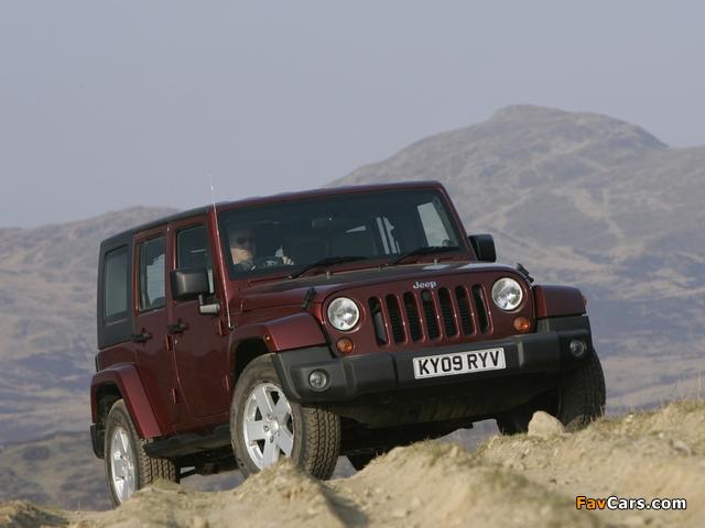 Jeep Wrangler Unlimited Sahara UK-spec (JK) 2007–11 wallpapers (640 x 480)
