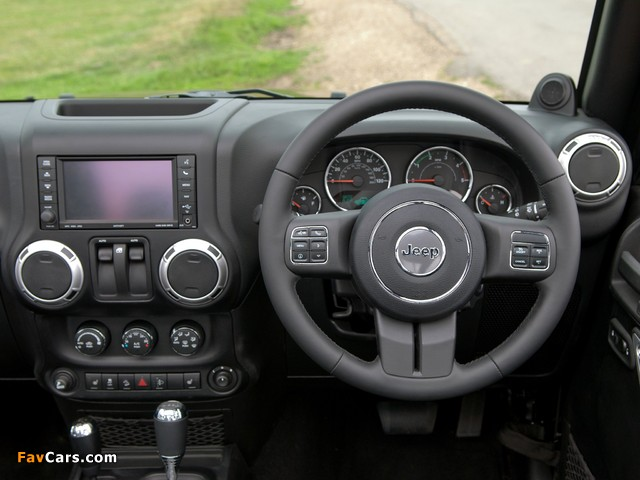 Jeep Wrangler 70th Anniversary UK-spec (JK) 2011 images (640 x 480)