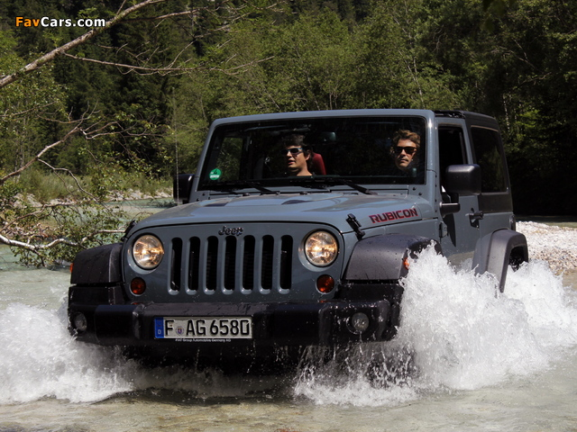 Jeep Wrangler Rubicon 10th Anniversary EU-spec (JK) 2013 wallpapers (640 x 480)