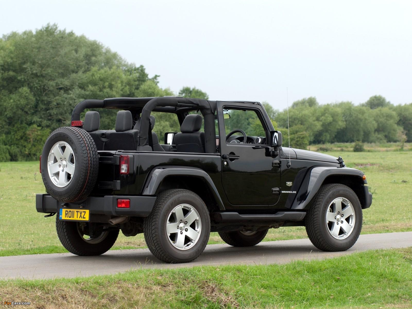 Photos of Jeep Wrangler 70th Anniversary UK-spec (JK) 2011 (1600 x 1200)