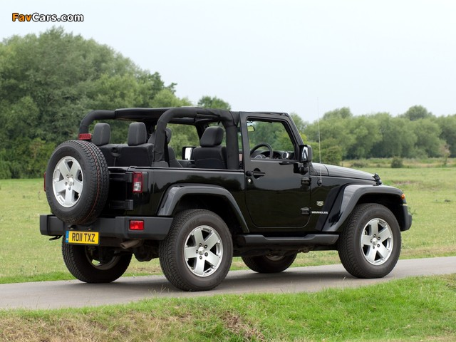 Photos of Jeep Wrangler 70th Anniversary UK-spec (JK) 2011 (640 x 480)