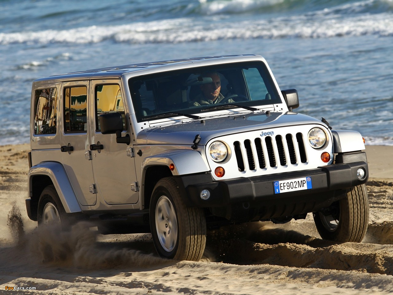 Photos of Jeep Wrangler Sahara Unlimited (JK) 2011 (1280 x 960)