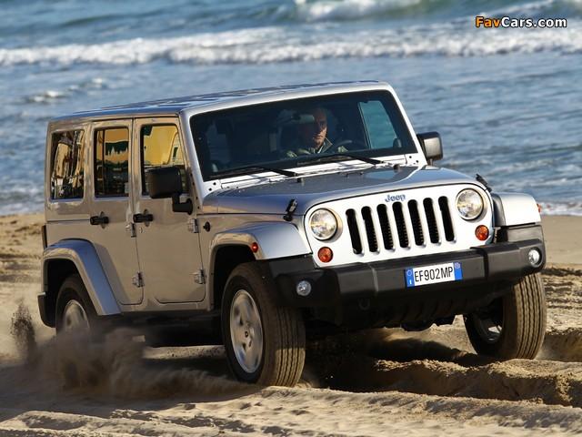 Photos of Jeep Wrangler Sahara Unlimited (JK) 2011 (640 x 480)