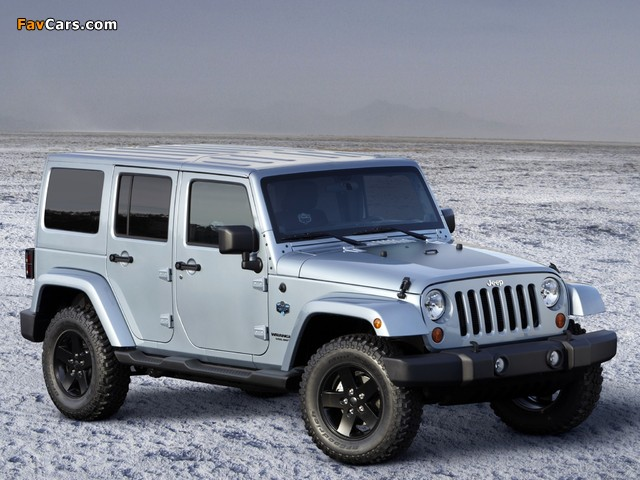Photos of Jeep Wrangler Unlimited Arctic (JK) 2012 (640 x 480)