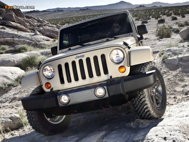 Pictures of Jeep Wrangler Unlimited Mojave (JK) 2011 (640 x 480)