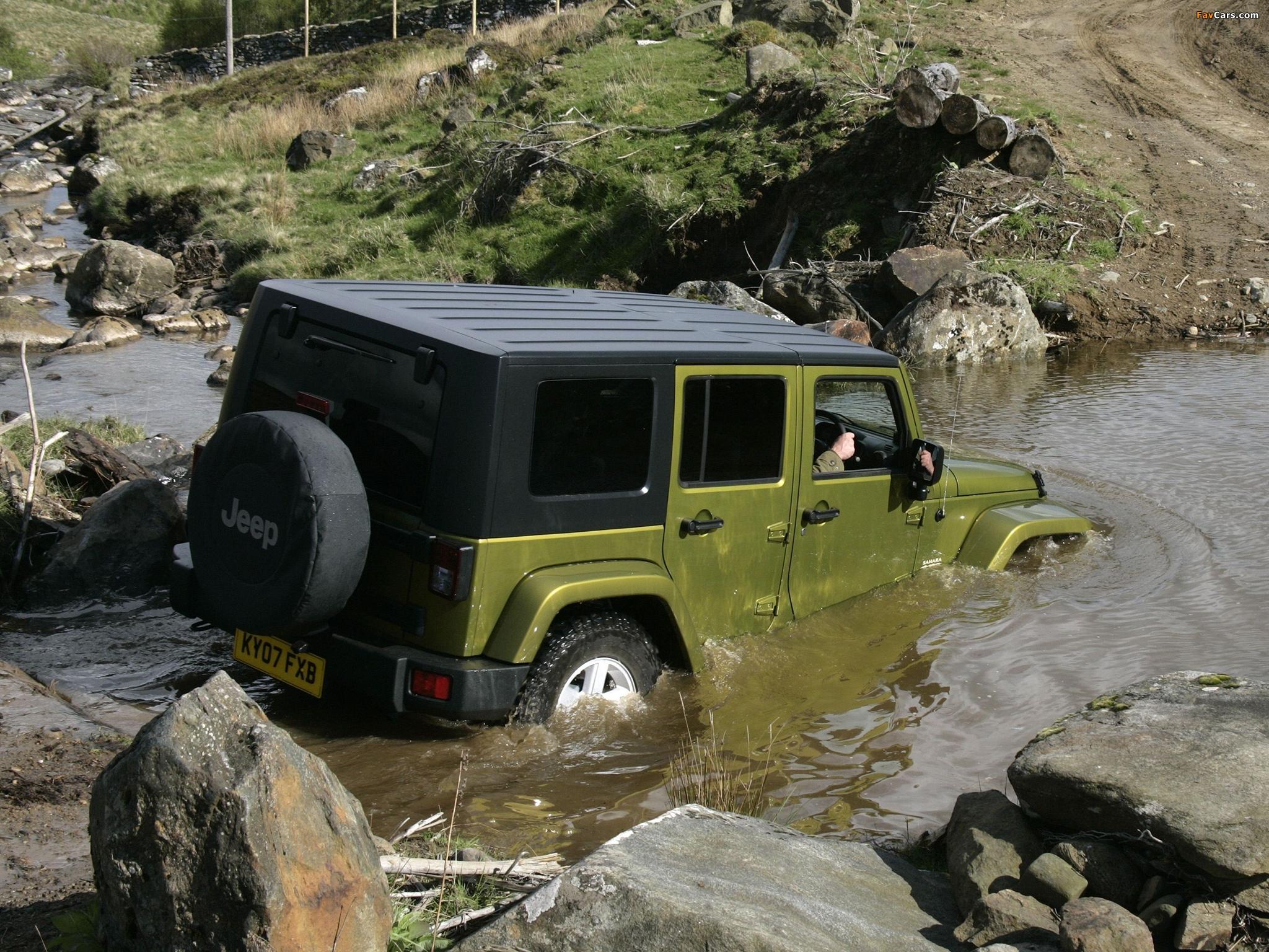 Jeep Wrangler Unlimited Sahara UK-spec (JK) 2007–11 wallpapers (2048 x 1536)
