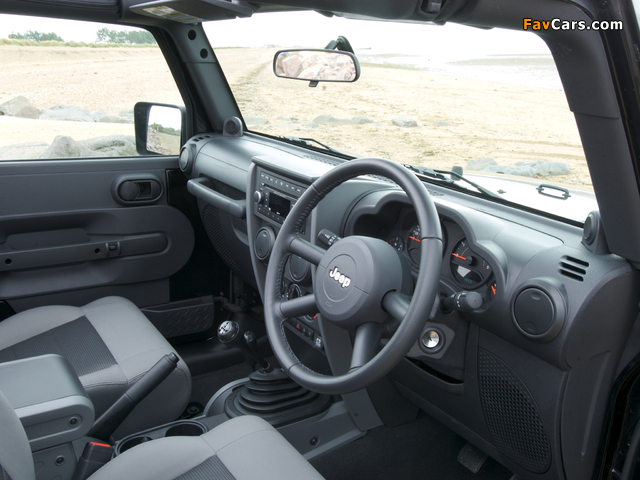 Jeep Wrangler Sport UK-spec (JK) 2007 wallpapers (640 x 480)