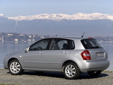 Images of Kia Cerato Hatchback (LD) 2004–07