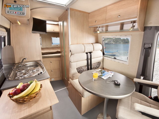 La Strada Mercedes-Benz Sprinter pictures (640 x 480)