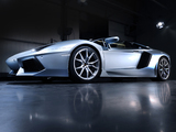 Photos of Lamborghini Aventador LP 700-4 Roadster (LB834) 2013