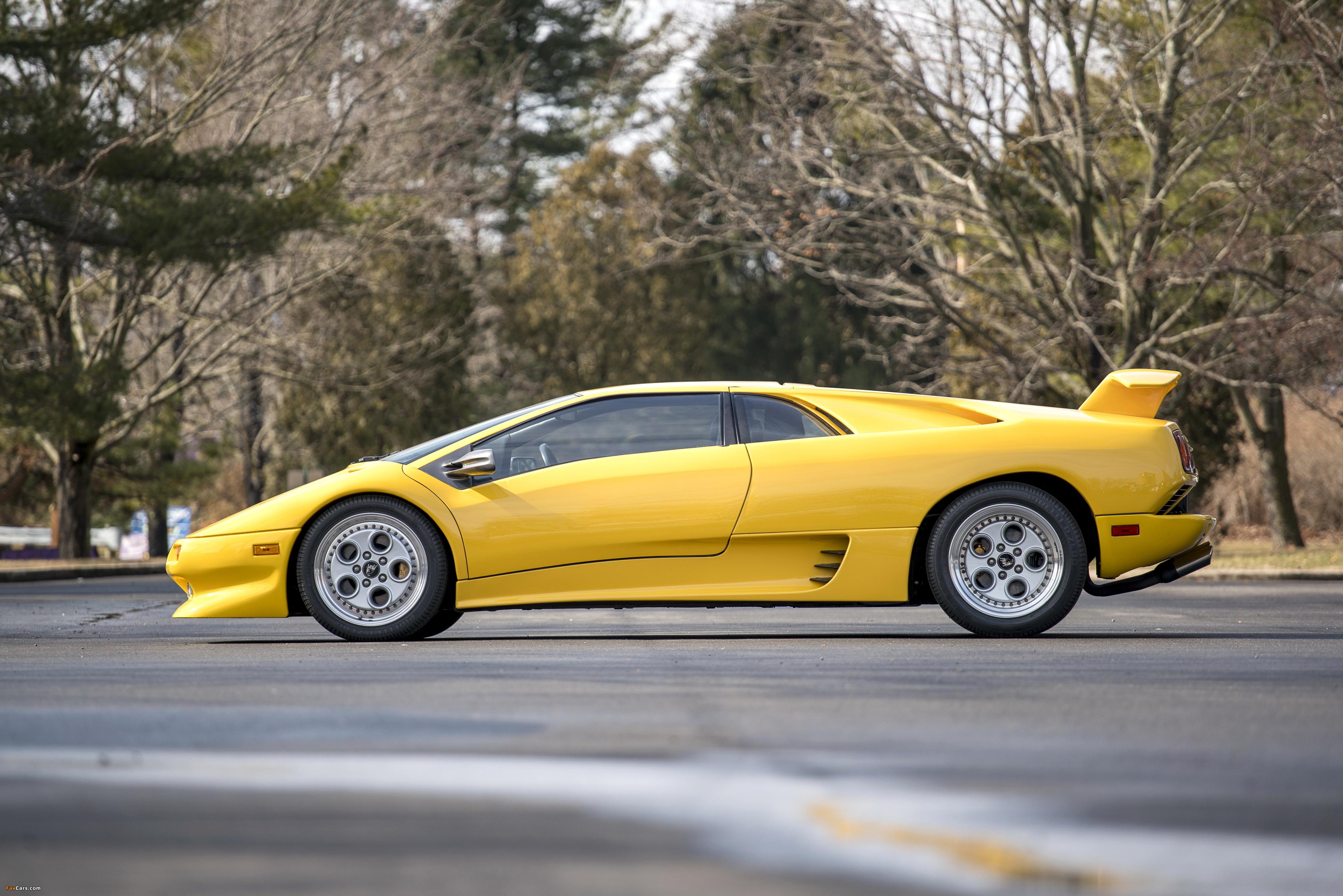 Lamborghini Diablo North America 1990–93 photos (3872 x 2583)