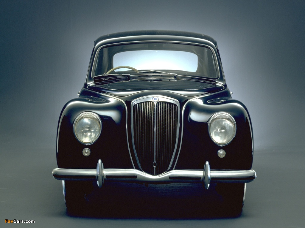https://img.favcars.com/lancia/aurelia/images_lancia_aurelia_1950_2.jpg