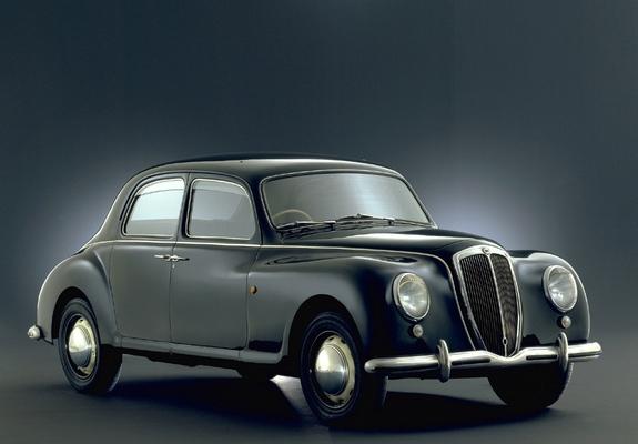 https://img.favcars.com/lancia/aurelia/lancia_aurelia_1950_pictures_1_b.jpg