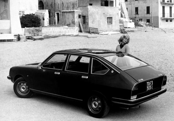 https://img.favcars.com/lancia/beta/images_lancia_beta_1972_2_b.jpg