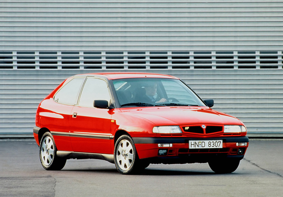Pictures of Lancia Delta HPE 2.0 16v HF Turbo 1995–99