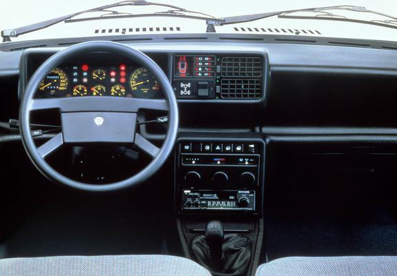 https://img.favcars.com/lancia/prisma/lancia_prisma_1986_pictures_1_b.jpg