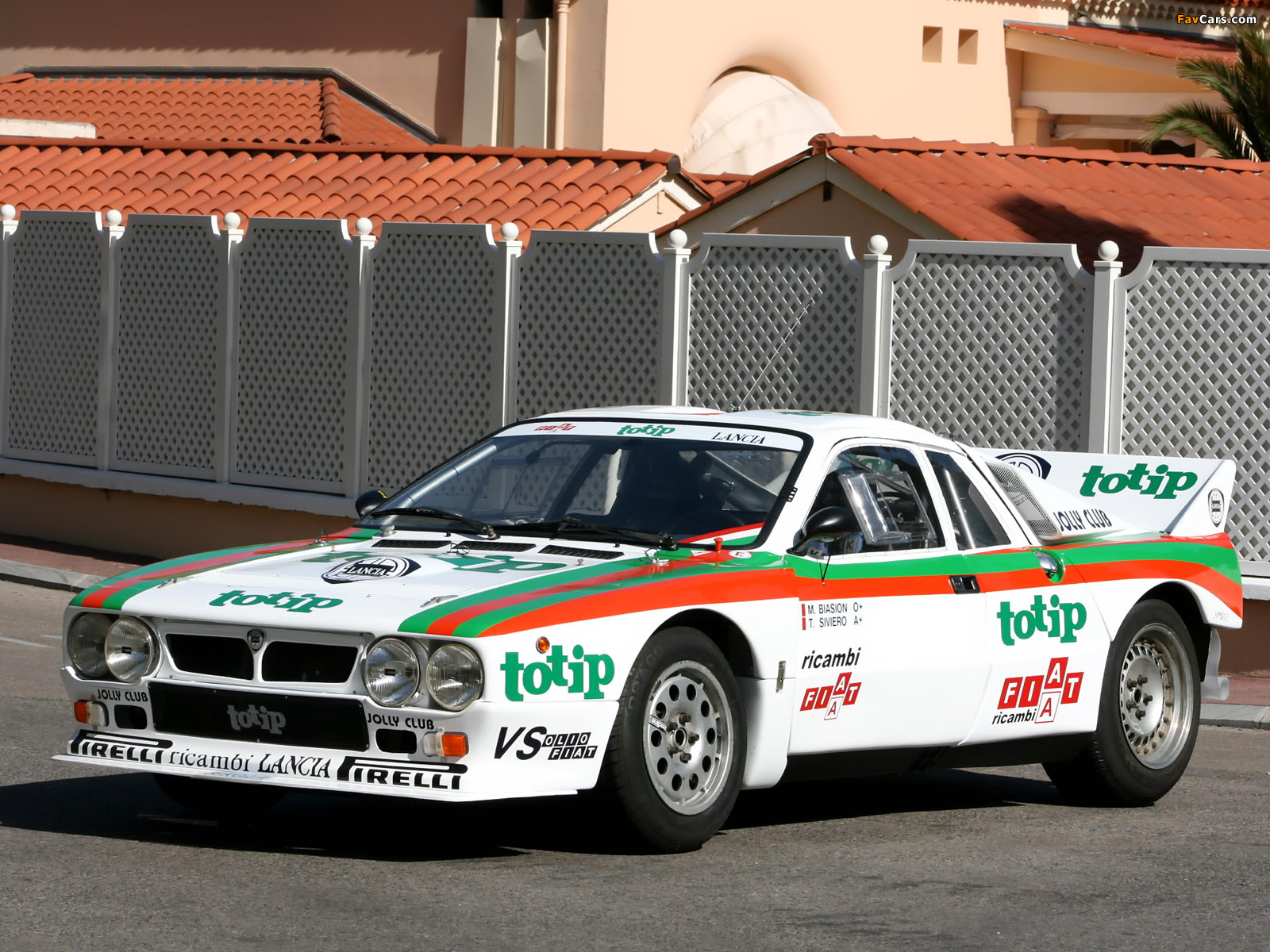 https://img.favcars.com/lancia/rally-037/lancia_rally-037_1982_pictures_1.jpg