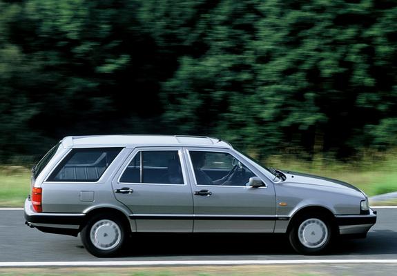 https://img.favcars.com/lancia/thema/images_lancia_thema_1988_1_b.jpg