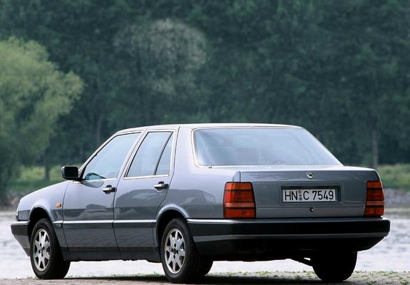 https://img.favcars.com/lancia/thema/lancia_thema_1988_images_4_b.jpg