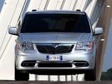Lancia Voyager 2011 images