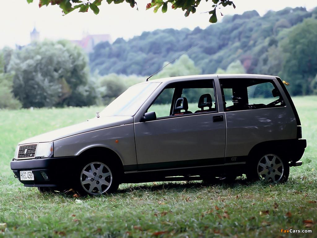 https://img.favcars.com/lancia/y10/lancia_y10_1989_images_1.jpg