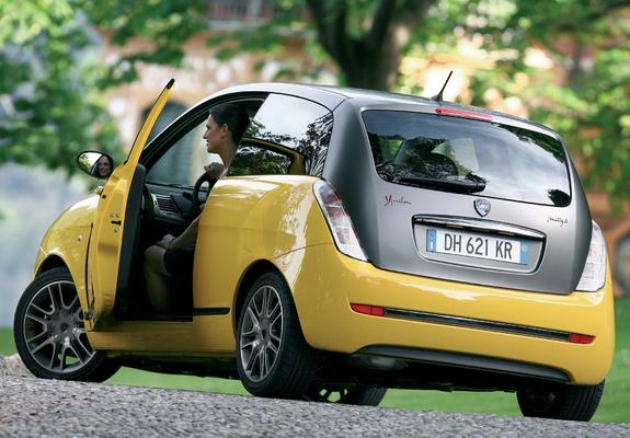 https://img.favcars.com/lancia/ypsilon/lancia_ypsilon_2007_pictures_3_b.jpg