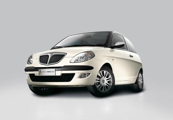 https://img.favcars.com/lancia/ypsilon/pictures_lancia_ypsilon_2005_3_b.jpg