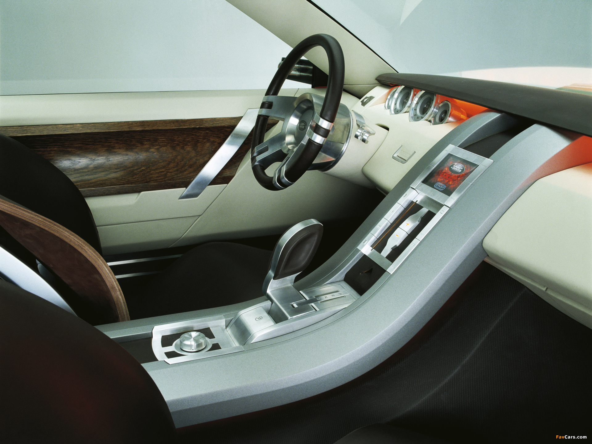 https://img.favcars.com/land-rover/concepts/land_rover_concepts_2004_pictures_1.jpg
