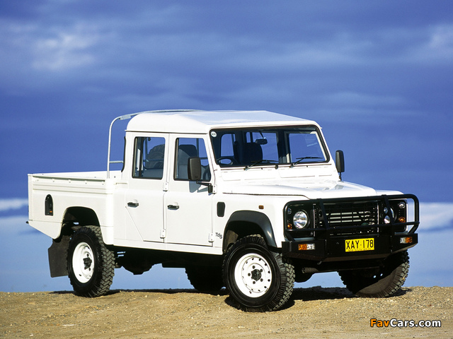 Land Rover Defender 130 Double Cab Pickup AU-spec 1990–2007 wallpapers (640 x 480)