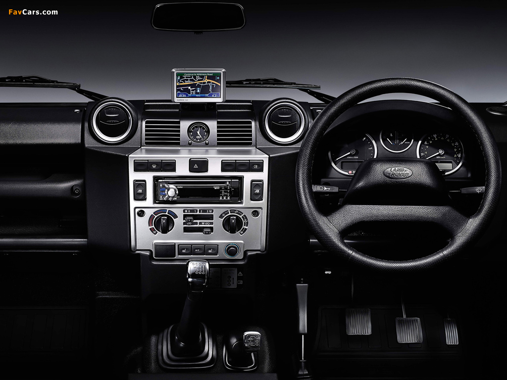 Land Rover Defender 110 SVX RHD 2008 photos (1024 x 768)