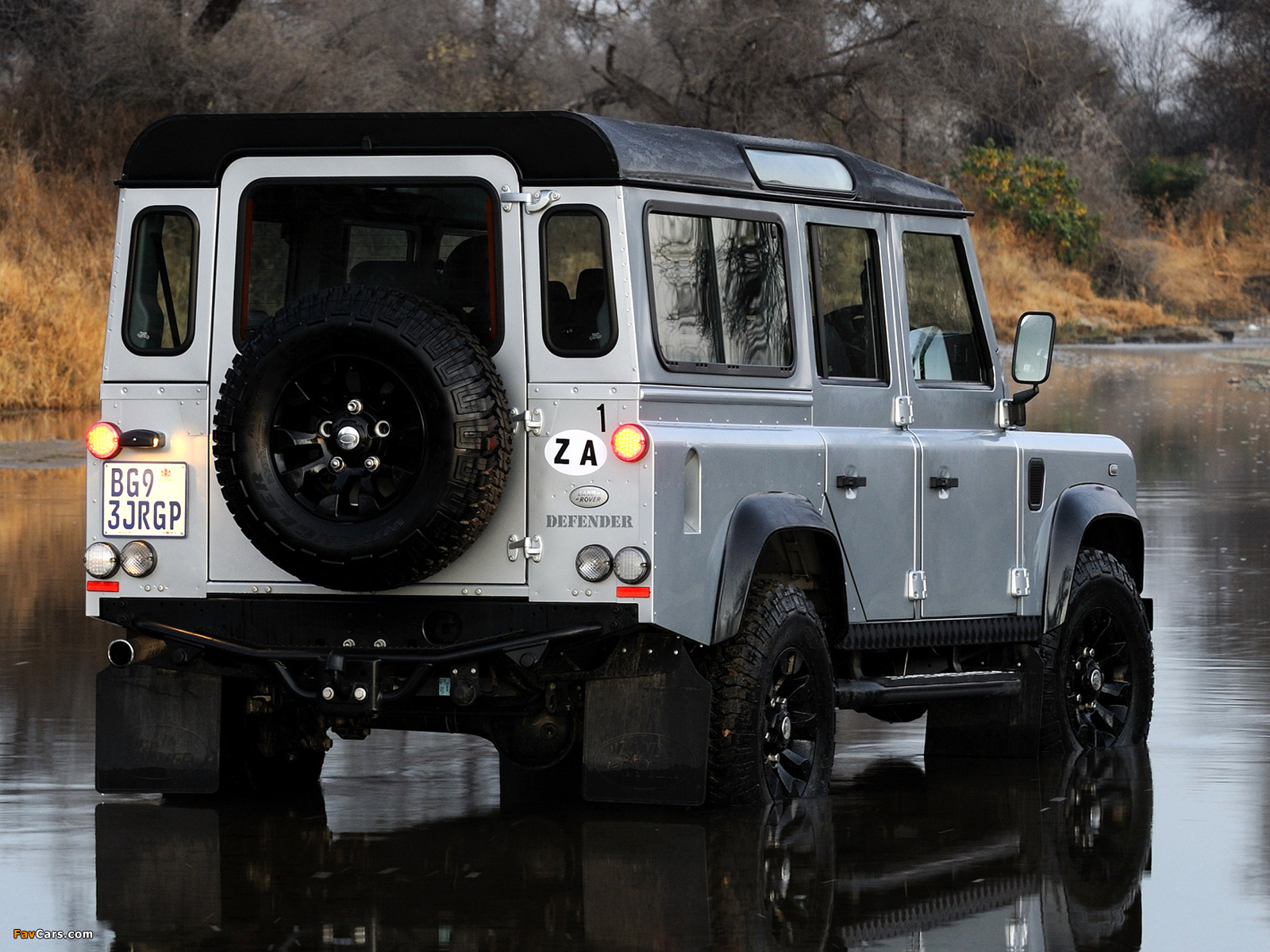 Land Rover Defender 110 Limited Edition 2011 pictures (1600 x 1200)