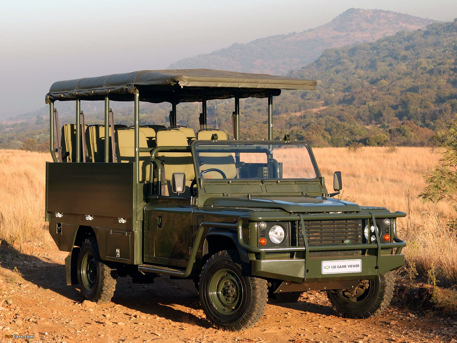 Land Rover Defender 130 Game Viewer images (1600 x 1200)