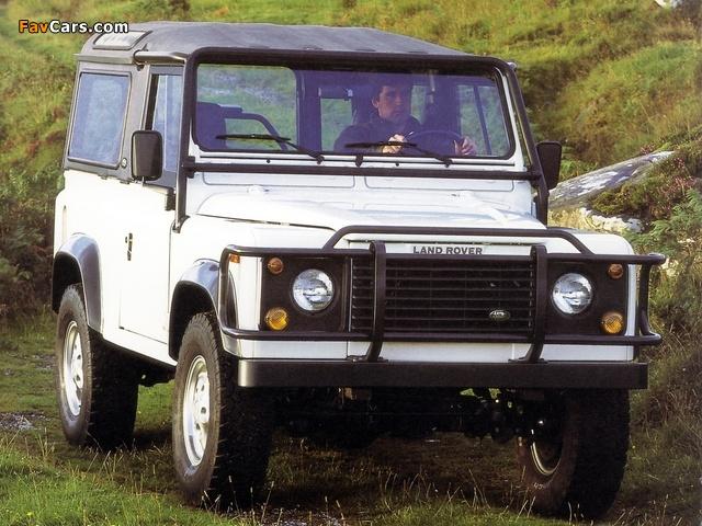 Land Rover Defender 90 NAS Soft Top 1993–97 photos (640 x 480)