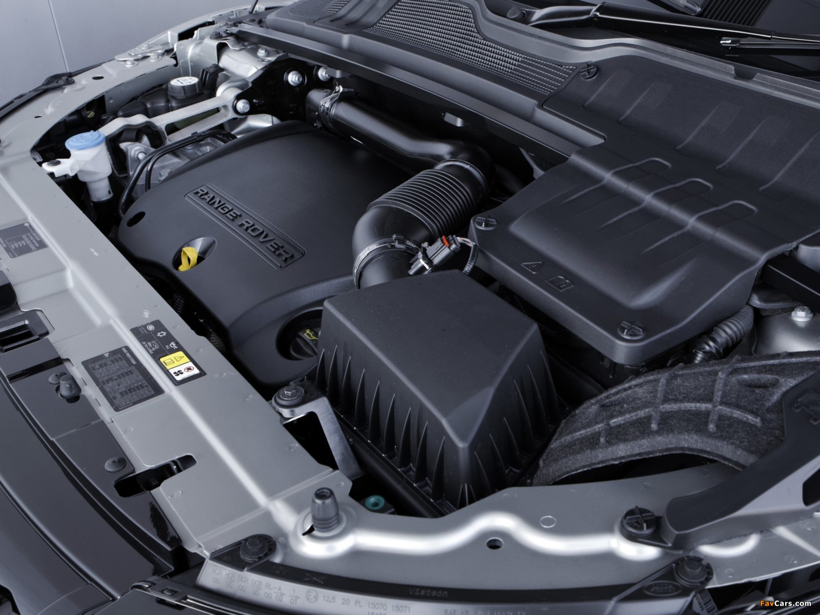 Range Rover Evoque SD4 Dynamic UK-spec 2011 photos (1600 x 1200)