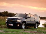 Photos of Chevrolet Suburban (GMT900) 2009