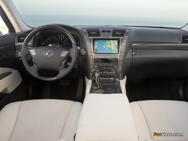 Lexus LS 600h L Pebble Beach Edition (UVF45) 2008 pictures (640 x 480)