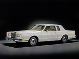 Lincoln Continental Town Coupe 1980–81 images