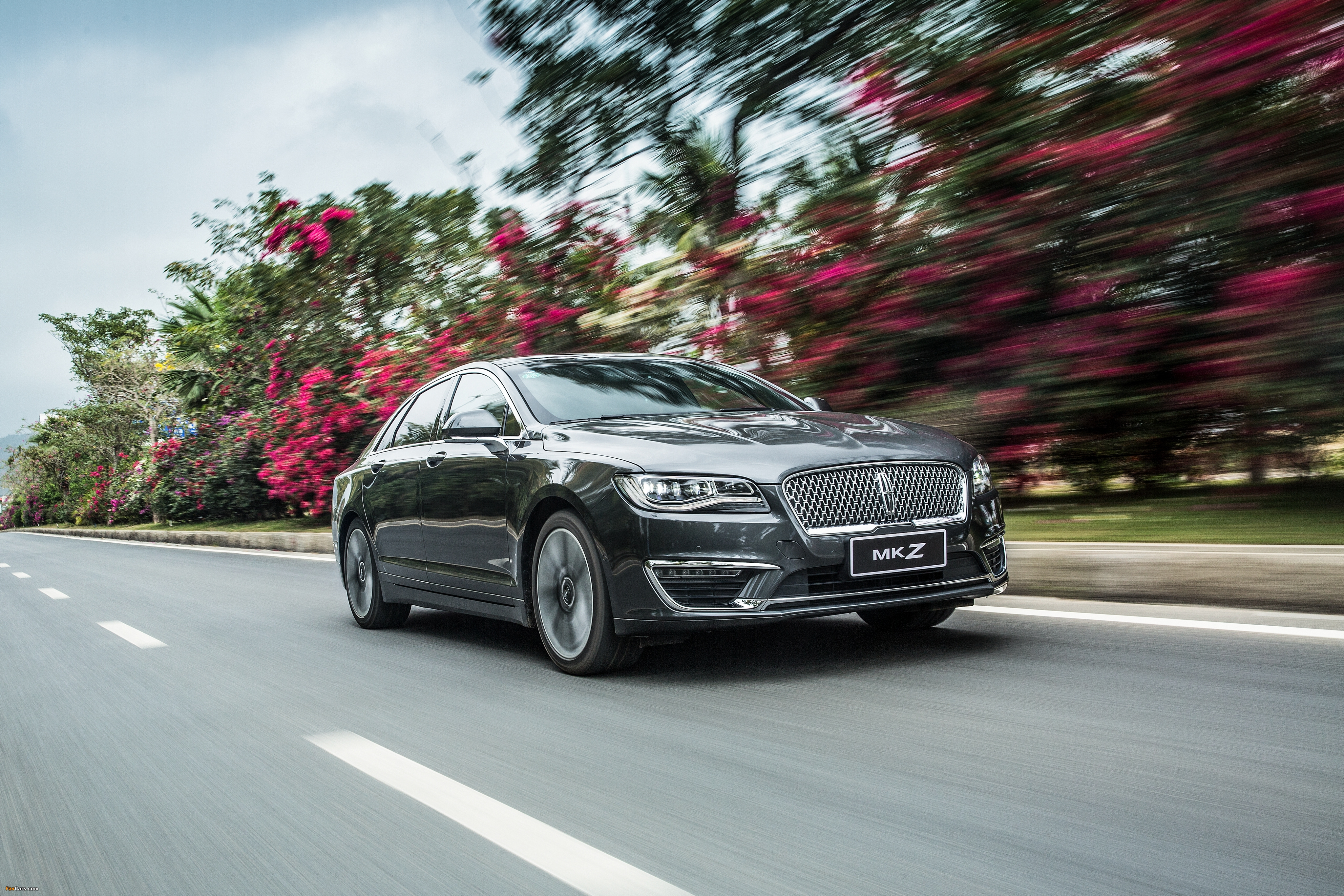 Lincoln MKZ H China 2017 images (4096 x 2731)