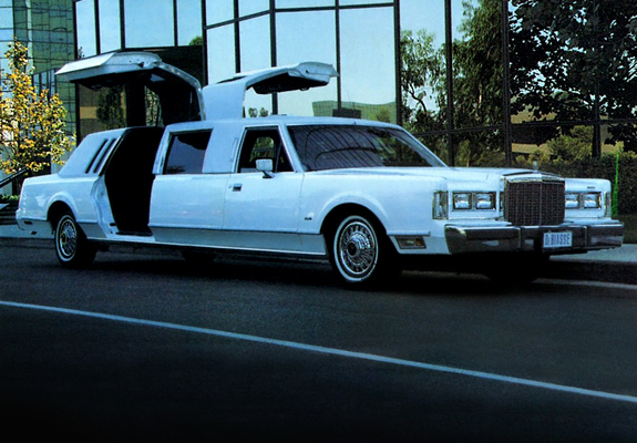 Gold Wing Lincoln Town Car Limousine 1986 Images